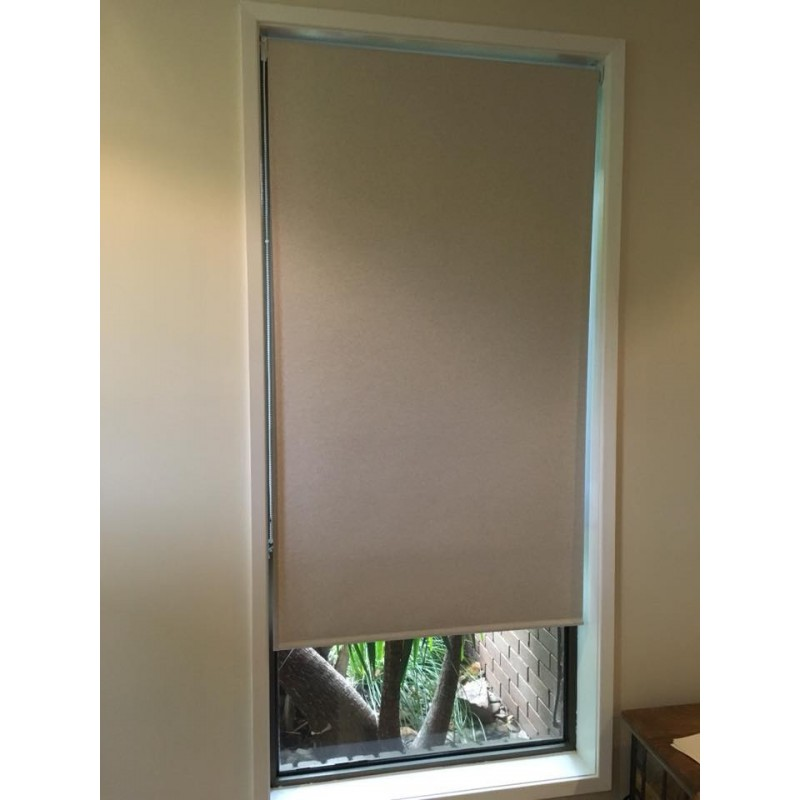 Block-out Roller Blind